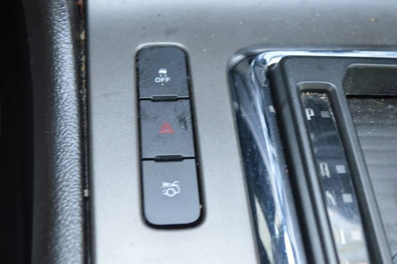 2013 Ford Mustang V6 Premium 2dr Convertible full