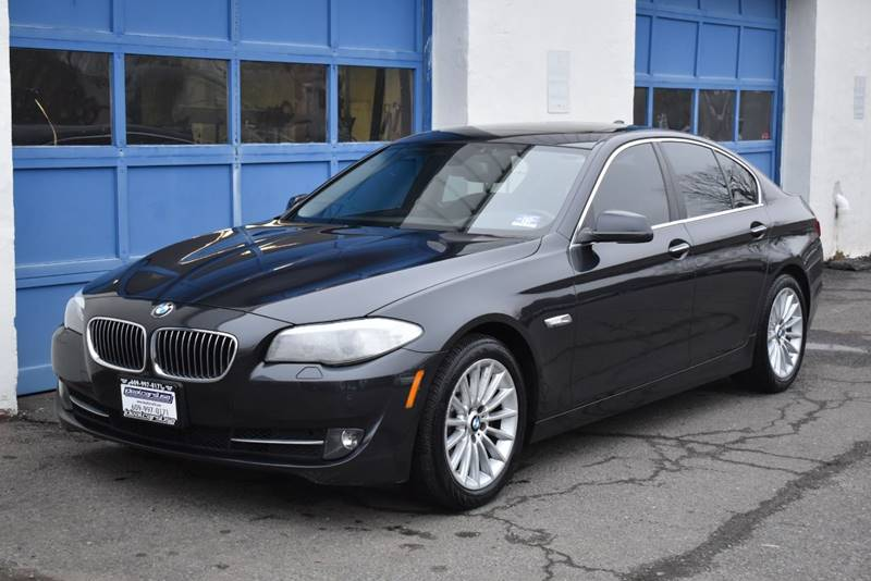 2013 BMW 5 Series 535i xDrive AWD 4dr Sedan