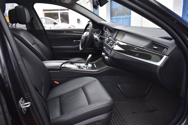2013 BMW 5 Series 535i xDrive AWD 4dr Sedan full