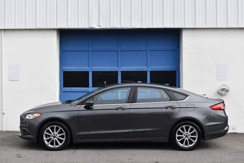 2017 Ford Fusion SE 4dr Sedan full