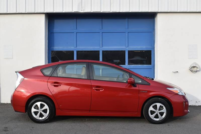 2015 Toyota Prius Four 4dr Hatchback full