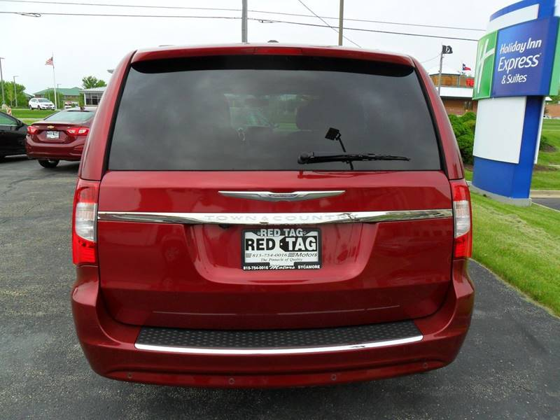 2013 Chrysler Town and Country Touring-L 4dr Mini-Van - Sycamore IL