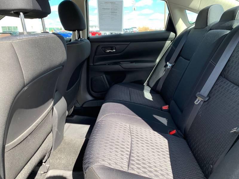 2016 Nissan Altima 2.5 S 4dr Sedan - Sycamore IL