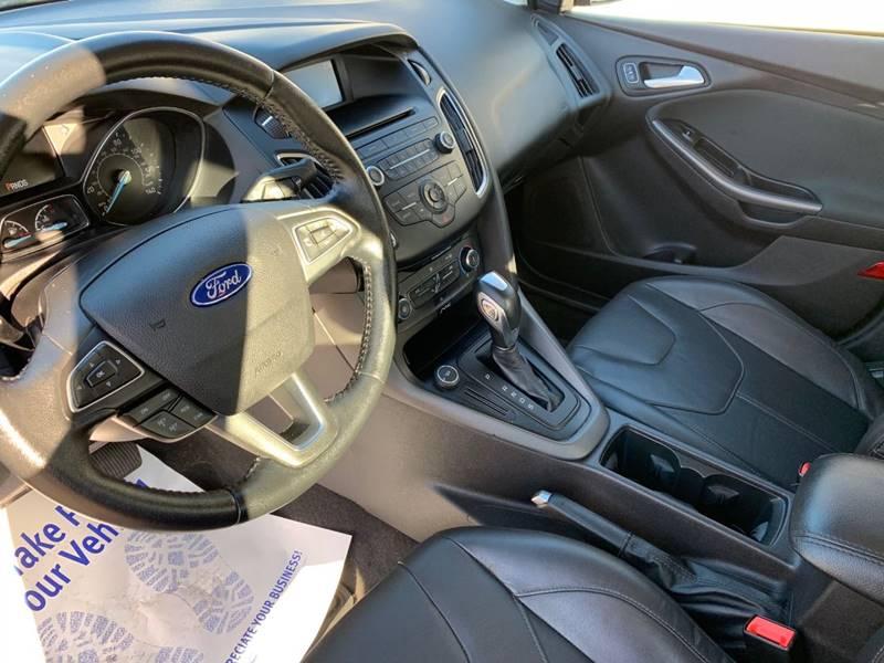 2015 Ford Focus SE 4dr Sedan - Sycamore IL