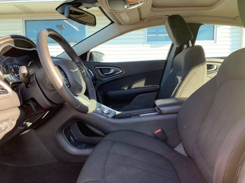 2016 Chrysler 200 Limited 4dr Sedan - Sycamore IL