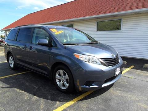 2013 Toyota Sienna for sale at RED TAG MOTORS in Sycamore IL