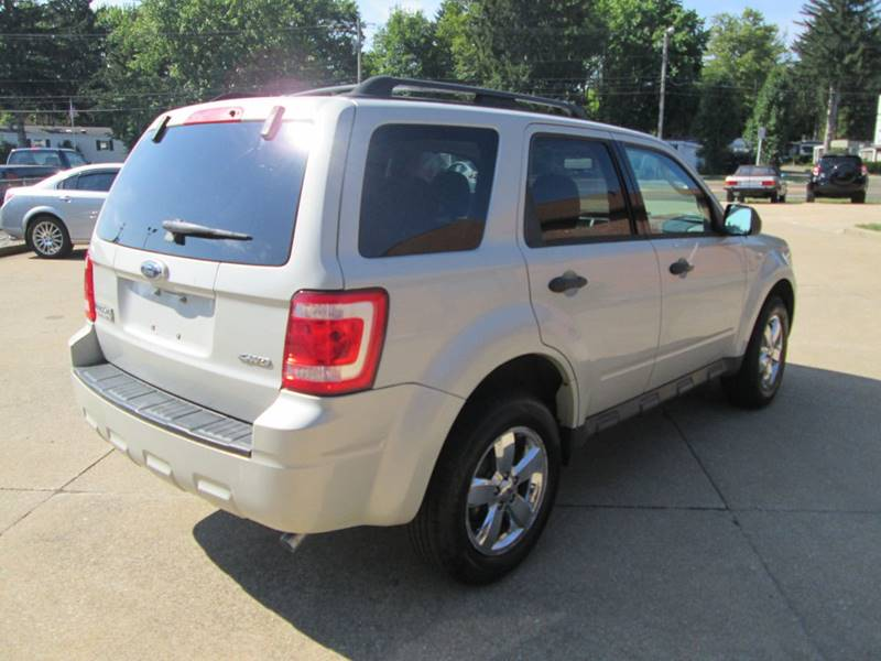 2009 Ford Escape AWD XLT 4dr SUV - North Canton OH