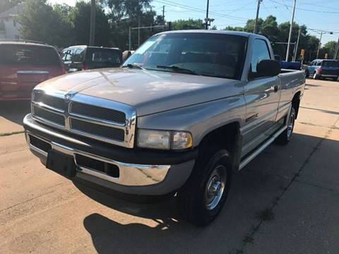 1999 Dodge Ram Pickup 2500 for sale in Des Moines, IA