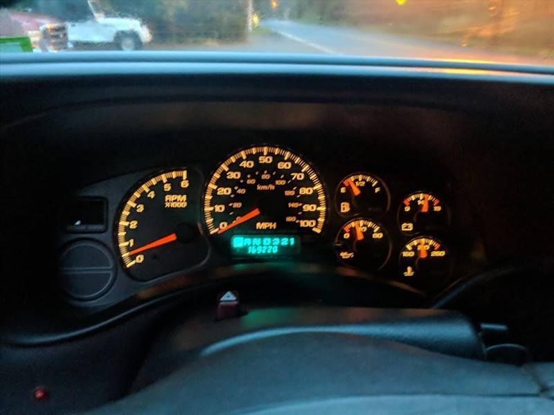 2001 Chevrolet Silverado 1500 LS (image 3)