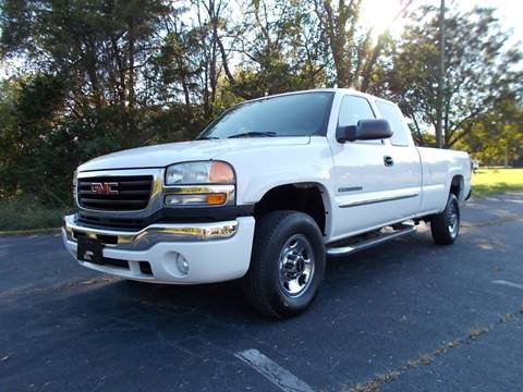 2004 GMC Sierra 2500HD for sale at Carolina Auto Sales in Trinity NC