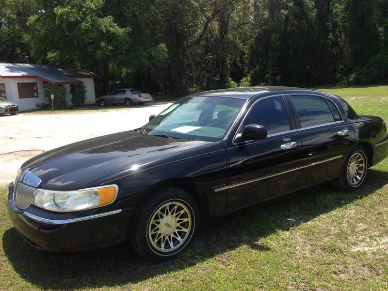 2000 Lincoln Town Car Signature 4dr Sedan In Fanning Springs Fl