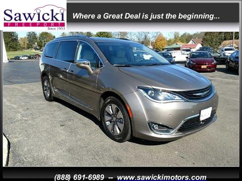 2018 Chrysler Pacifica Hybrid for sale in Freeport, IL