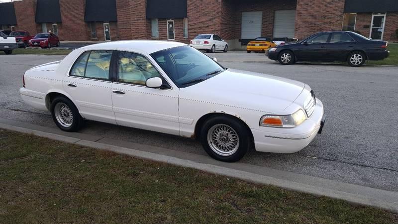 2000 Ford Crown Victoria Lx 4dr Sedan In Addison Il Amanah Motorz Inc