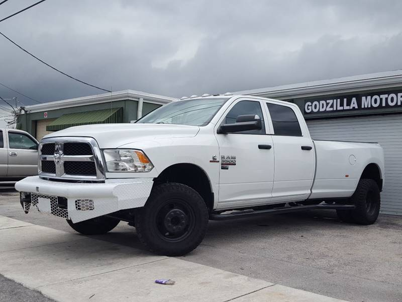 2014 RAM RAM PICKUP 3500 TRADESMAN 4X4 4DR CREW CAB 8 FT white this one is ready to drive home a