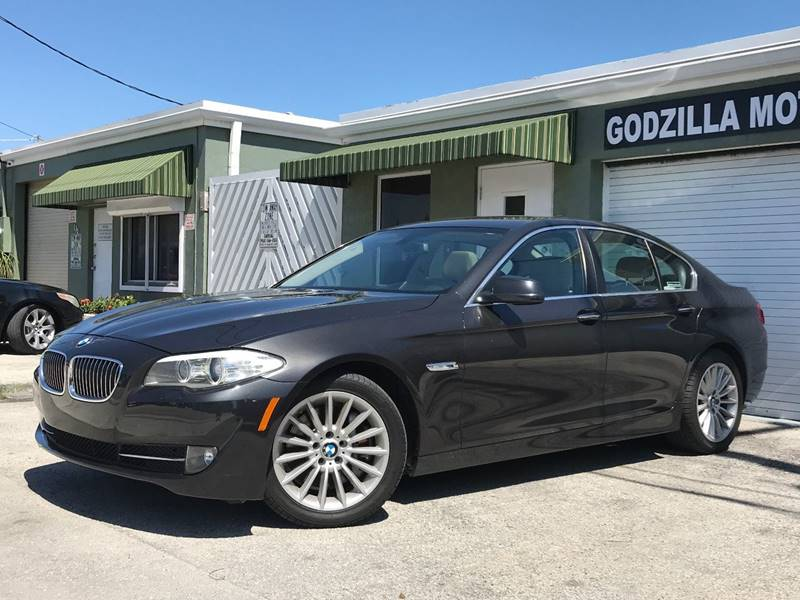 2013 BMW 5 SERIES 535I 4DR SEDAN gray this one is ready to drive home and show off  dont wai
