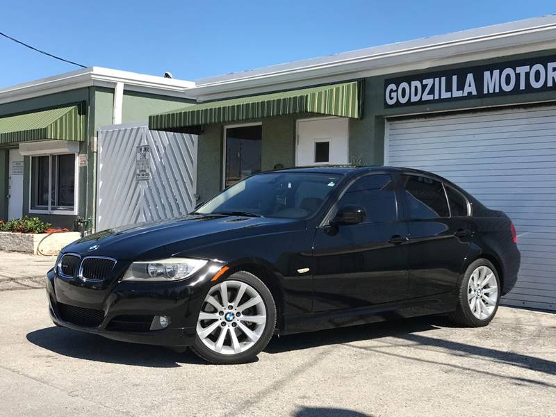 2011 BMW 3 SERIES 328I 4DR SEDAN SA black this one is ready to drive home and show off  dont