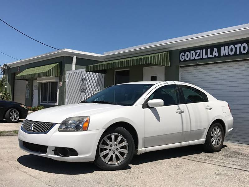 2012 MITSUBISHI GALANT SE 4DR SEDAN white this one is ready to drive home and show off  dont