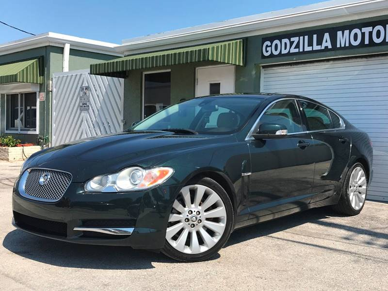 2009 JAGUAR XF LUXURY 4DR SEDAN green this one is ready to drive home and show off   dont wa