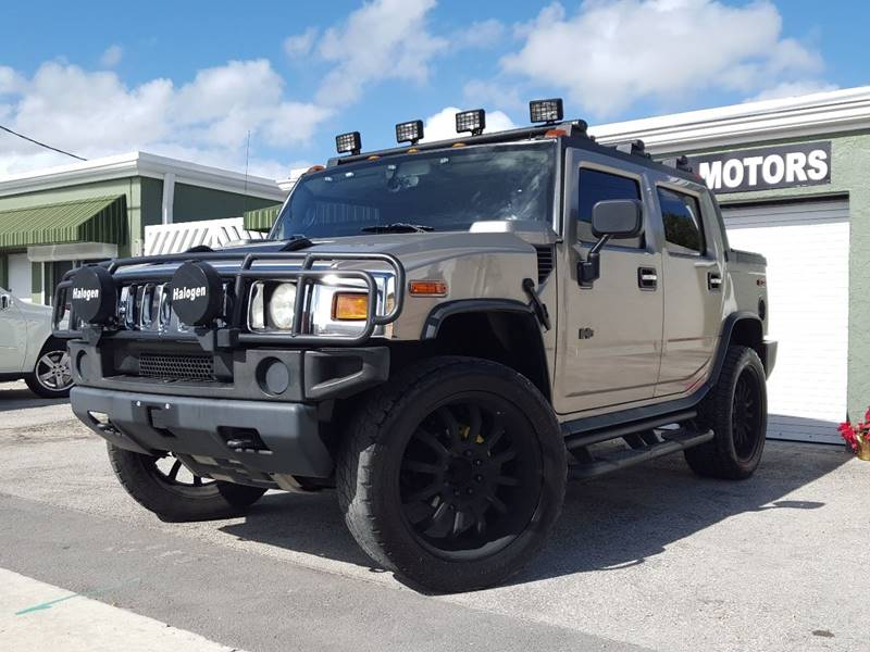 2005 HUMMER H2 SUT BASE tan this truck is a beauty a nice toy for anyone clean carfax great in