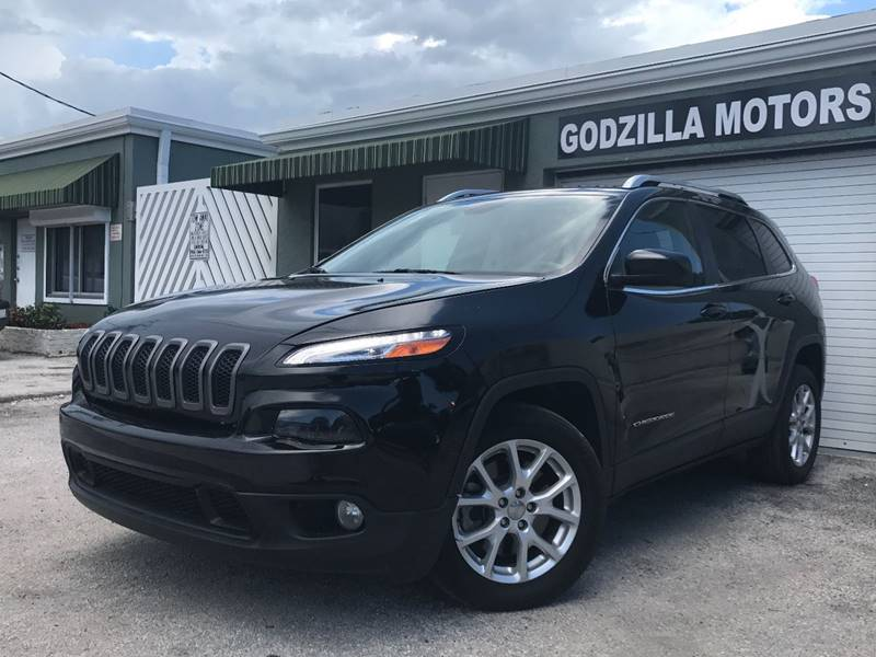 2015 JEEP CHEROKEE LATITUDE 4DR SUV black this one is ready to drive home and show off   don