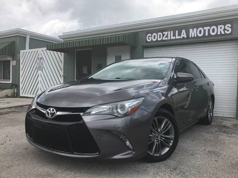 2015 TOYOTA CAMRY SE 4DR SEDAN gray headlight bezel color - black door handle color - body-color