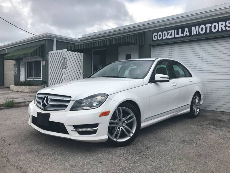 2013 MERCEDES-BENZ C-CLASS C 250 SPORT 4DR SEDAN black this one is ready to drive home and show o