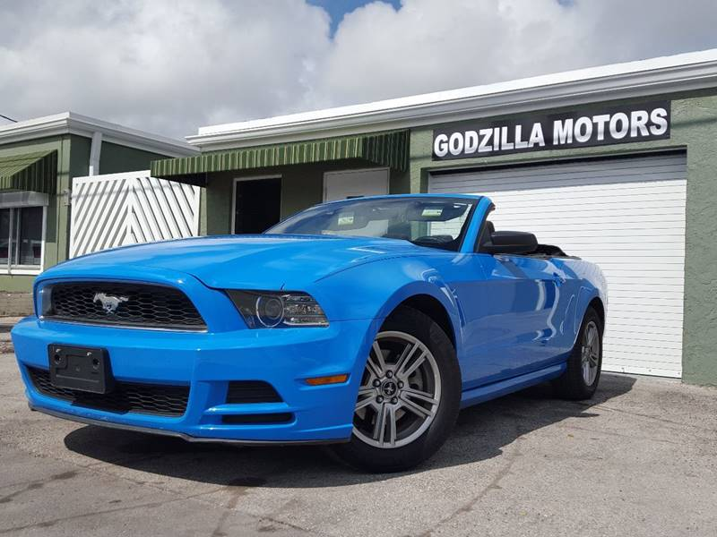 2013 FORD MUSTANG V6 PREMIUM blue this amazing 2013 ford mustang contains clean title clean car