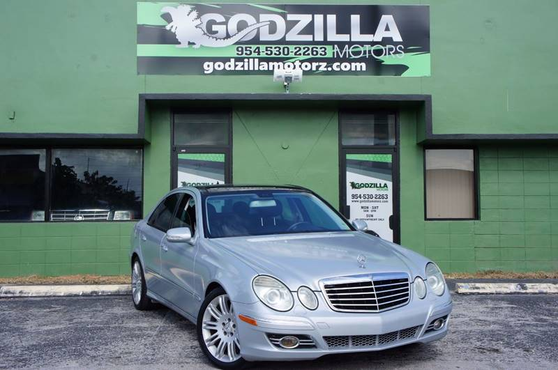 2007 MERCEDES-BENZ E-CLASS E350 silver this one is ready to drive home and show off dont wai