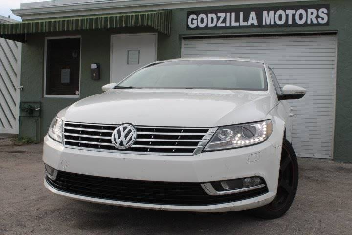 2013 VOLKSWAGEN CC R-LINE PZEV 4DSEDAN 6A white exhaust - dual tip body side moldings - chrome