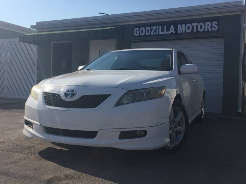 2008 TOYOTA CAMRY LE V6 4DR SEDAN 6A white this one is ready to drive home and show off dont