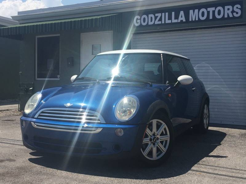 2005 MINI COOPER BASE 2DR HATCHBACK blue this one is ready to drive home and show off dont wa