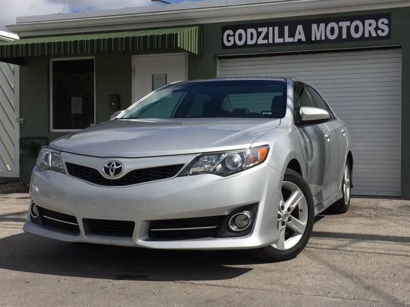 2014 TOYOTA CAMRY L 4DR SEDAN silver this one is ready to drive home and show off dont wait t