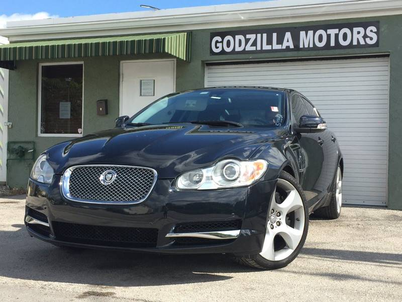2009 JAGUAR XF SUPERCHARGED 4DR SEDAN black this one is ready to drive home and show off dont