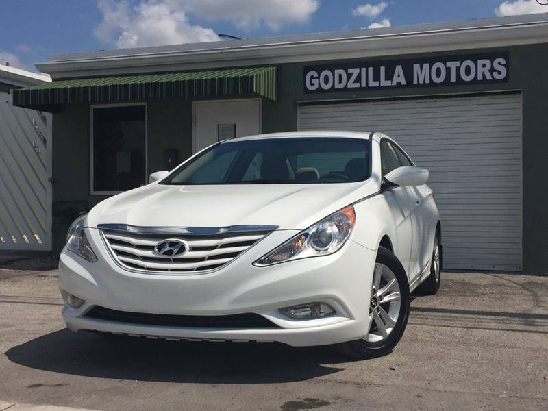 2013 HYUNDAI SONATA GLS 4DR SEDAN white this amazing 2013 hyundai contains clean title clean ca