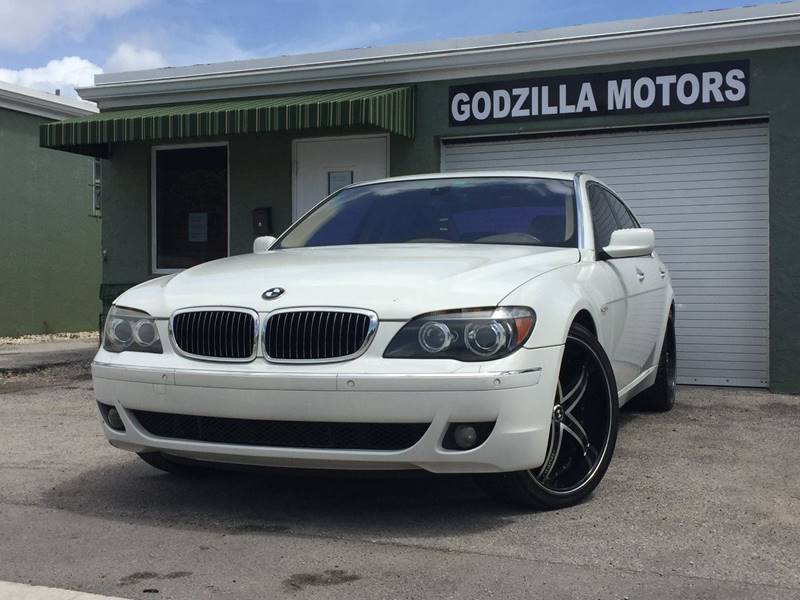 2006 BMW 7 SERIES 750LI 4DR SEDAN white the 750 li is the flagship of the bmw line of automobiles