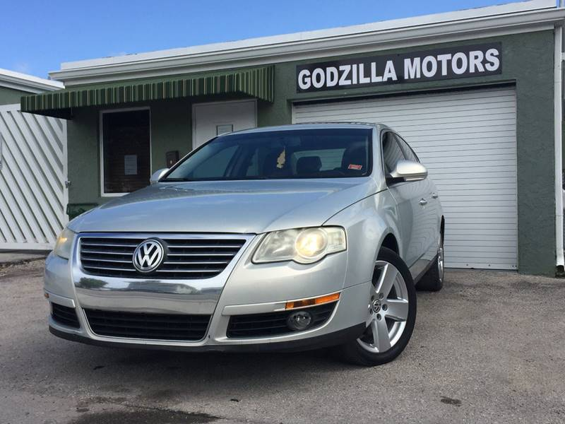 2009 VOLKSWAGEN PASSAT KOMFORT 4DR SEDAN silver exhaust - dual tip air filtration armrests - re