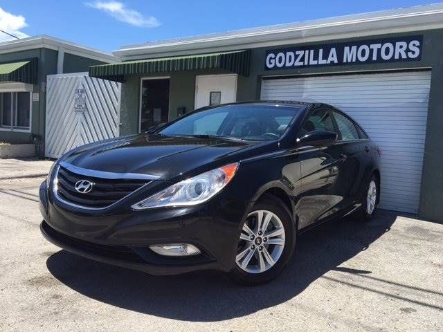 2013 HYUNDAI SONATA GLS 4DR SEDAN black this one is ready to drive home and show off dont wa