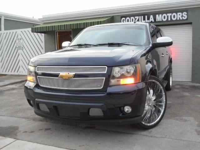 2007 CHEVROLET SUBURBAN LS 1500 4DR SUV blue this one is ready to drive home and show off don