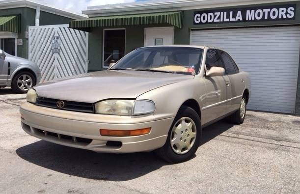1993 TOYOTA CAMRY LE 4DR SEDAN champagne front air conditioning center console cruise control