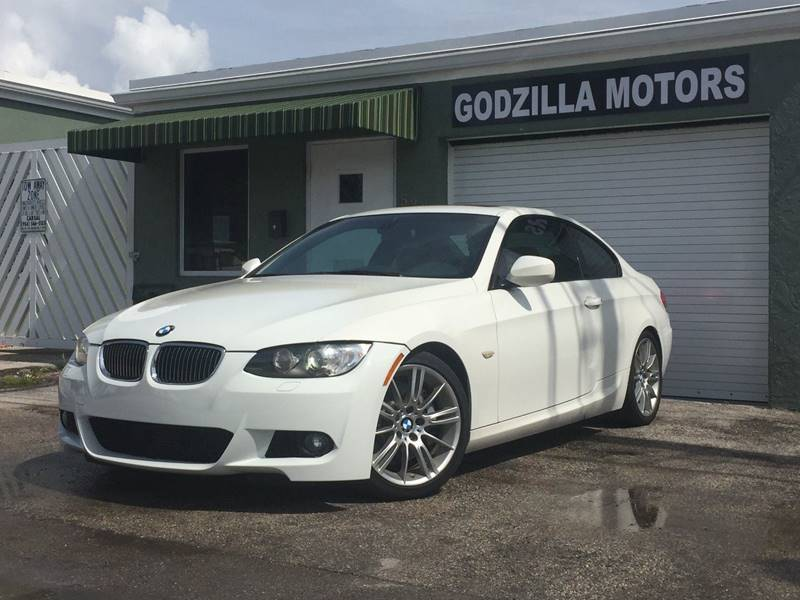 2010 BMW 3 SERIES 335I 2DR COUPE white exhaust tip color - stainless-steel grille color - chrome