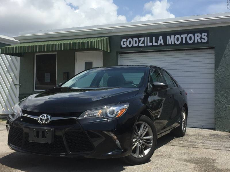 2015 TOYOTA CAMRY XSE 4DR SEDAN black headlight bezel color - black door handle color - body-col