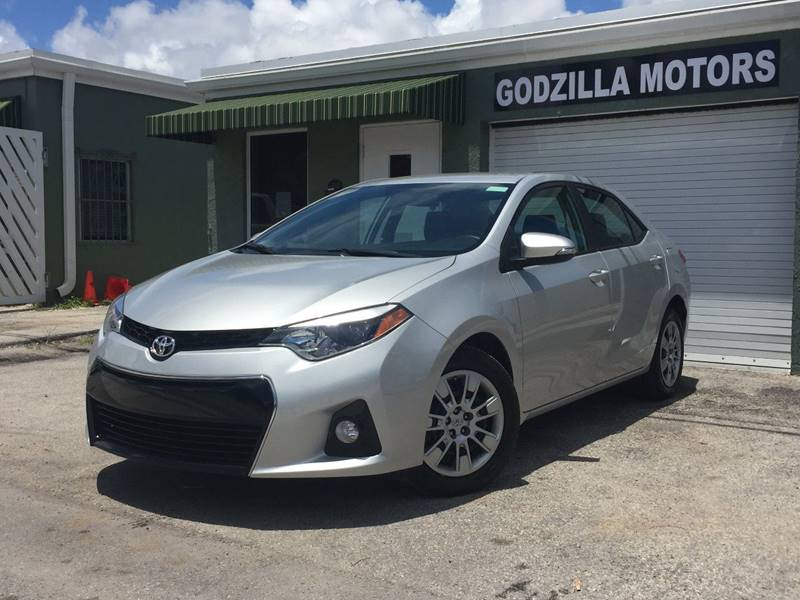 2015 TOYOTA COROLLA S 4DR SEDAN silver door handle color - body-color exhaust tip color - chrome