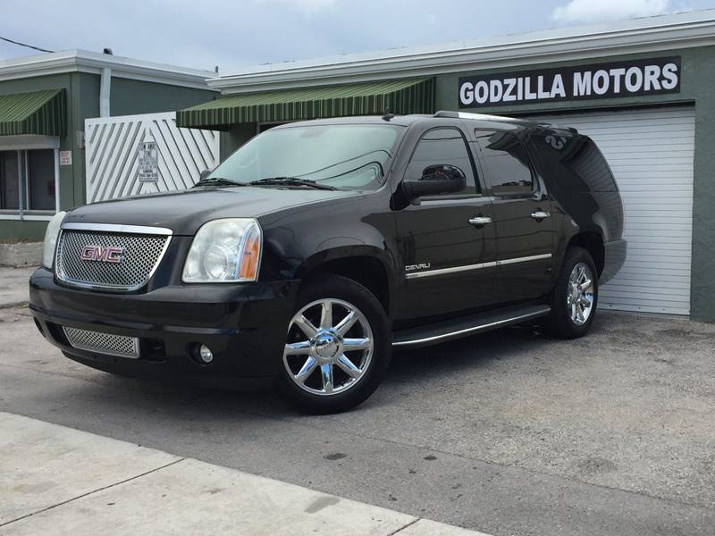 2011 GMC YUKON XL DENALI 4X2 XL 4DR SUV black tow hooks - front trailer hitch body side molding