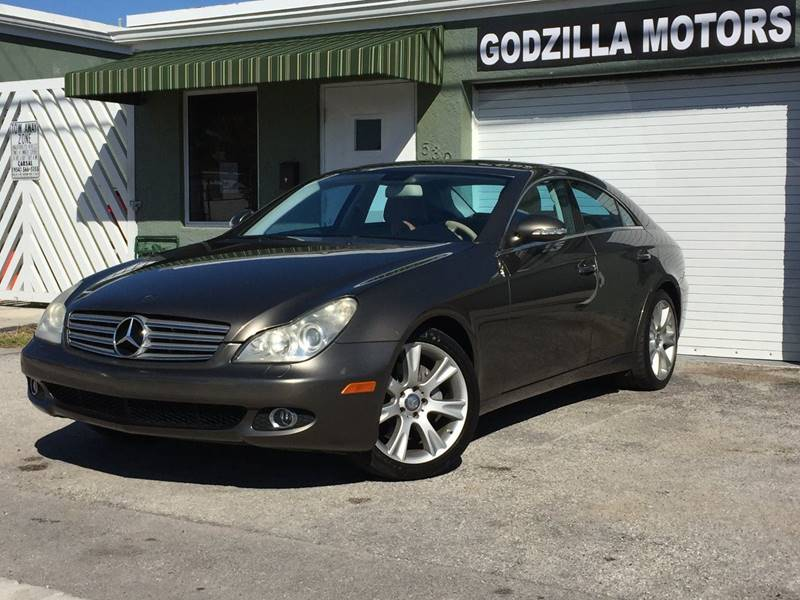 2008 MERCEDES-BENZ CLS CLS550 4DR SEDAN brown clean carfax leather sunroof one of a kind cls55