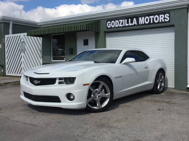 2013 CHEVROLET CAMARO SS 2DR COUPE W2SS white exhaust - dual tip door handle color - body-color
