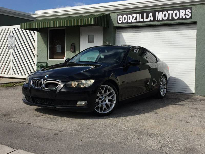 2009 BMW 3 SERIES 328I 2DR COUPE black exhaust tip color - stainless-steel grille color - chrome
