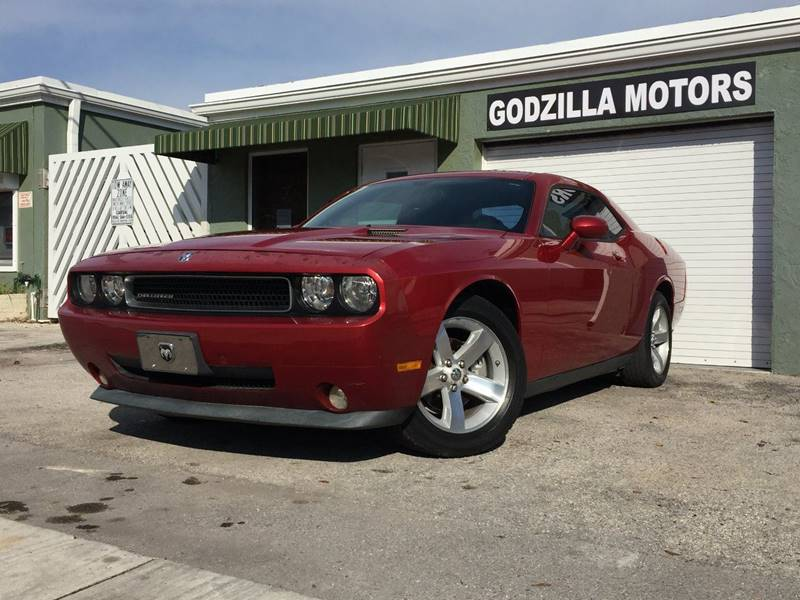 2009 DODGE CHALLENGER SE 2DR COUPE burgundy this one is ready to drive home and show off   d