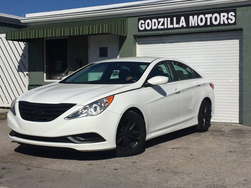 2014 HYUNDAI SONATA GLS 4DR SEDAN white body side moldings - body-color door handle color - body