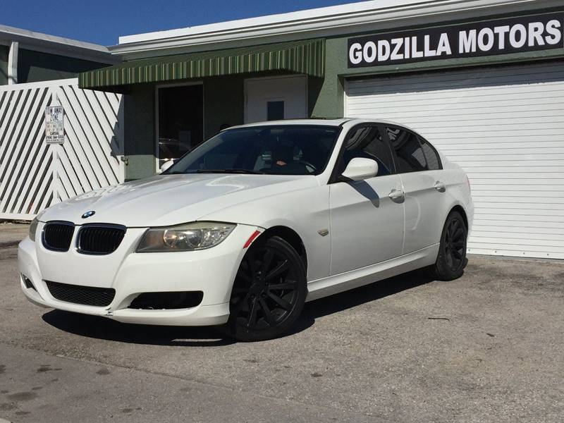 2011 BMW 3 SERIES 328I 4DR SEDAN SA white this one is ready to drive home and show off   don