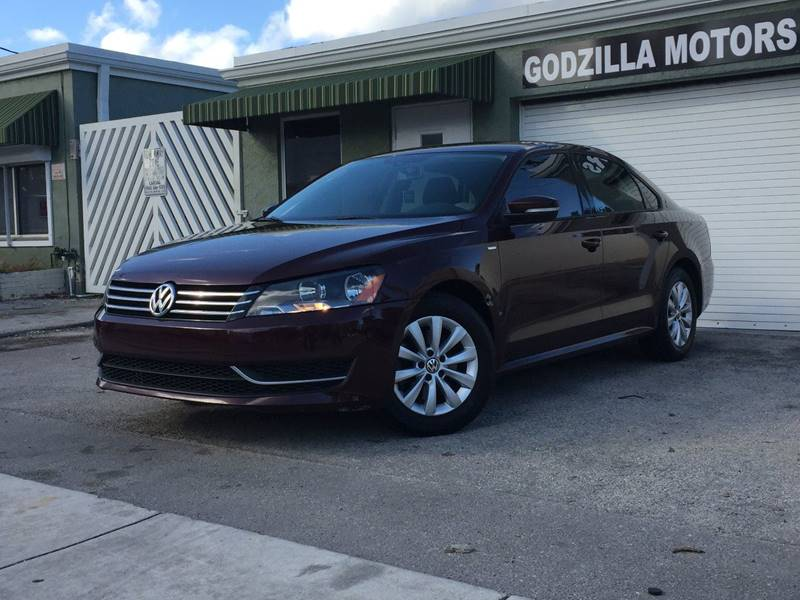 2014 VOLKSWAGEN PASSAT WOLFSBURG EDITION PZEV 4DR SEDAN brown body side moldings - body-color doo